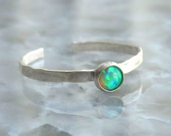 Adjustable Toe Ring / Knuckle Ring / Beach Jewelry / Green Opal Jewelry / Opal Toe ring