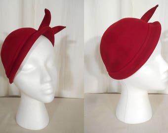 Vintage 1930s Hat | 30s Red Fascinator| Art Deco Tilt Cloche | Flapper Surrealist