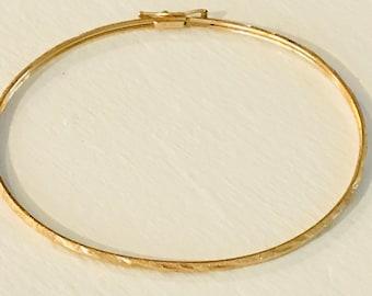 Textured 14k gold bangle bracelet