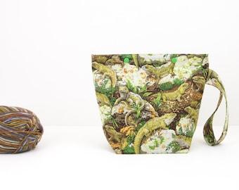 Lizard project bag, small zipperless storage bag, Tuatara knitting project bag