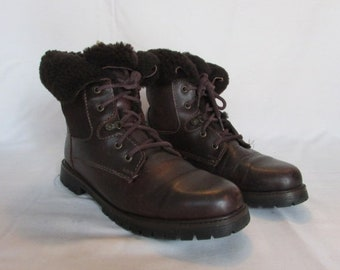 FASHION SALE Brown Leather Winter Boots Size 9 Ankle Boots, Hiking Boots, Lace-up Snow Boots Outdoor Boots, Made in Canada by Marie Claire,