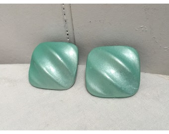 Vintage 1980s Light Mint Green Pearlized Large Pierced Earrings