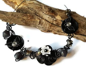 The Choker necklace made of aluminum and black beads