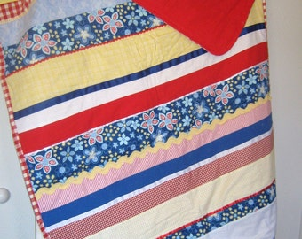 42 x 60 inches- -Flannel Strip Quilt-- Summertime Picnic Daisy-- Red, White, Blue, and Yellow