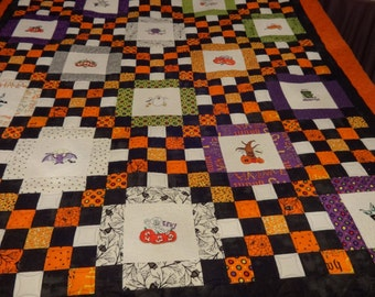 Halloween Quilt - embroidery with glow in the dark thread