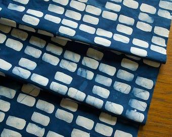 Forma:Sides à la main à motifs et teint le tissu de coton Indigo et blanc