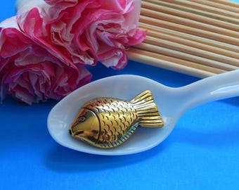 5, Gold Fish Beads, Goldfish Gifts, Fish Charms, Gold Beads, Fishing Jewelry, Spacers, Golden Fish, Gold Pendant, Jewelry Pendant, #181A