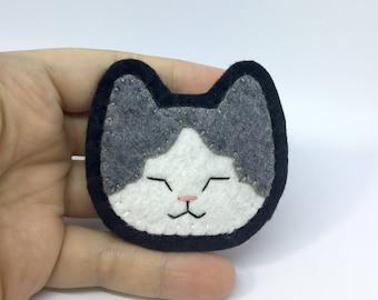 Sleepy White Tabby Cat Hand Sewn Wool Felt Pin