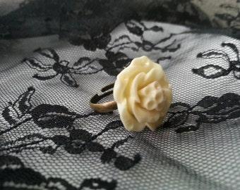 Ivory Cream Rose Cabachon Ring