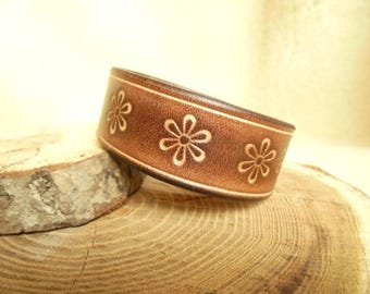 Brown leather strap floral natural vegetable tanned Bohemian flowers