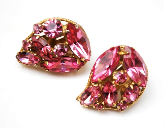 Pink Rhinestone Earrings  - Tear drop  -  Crystal glass - Mid Century -  gold  plated metal clip on  earrings