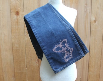 Dark Blue Butterfly Jeans GAP Women's Size 8 Pink Embroidery Upcycled