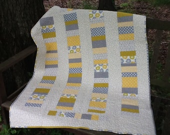 Gray, Yellow and White Stacked Coins Quilt,  Modern Quilted Throw, Modern Baby Quilt, Quiltsy Handmade