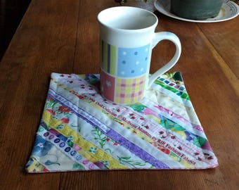 Quilted Mug Rug, Selvage Mug Rug, Beverage Mat, Snack Mat, Multi-color, Approx. 7.5 x 8.5 inches, Home or Office. Great Gift!