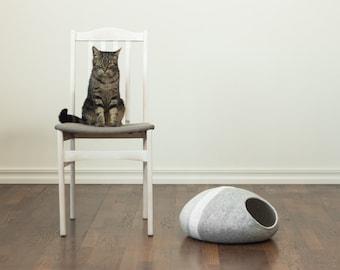Cat bed/cat cave/cat house/grey/light grey felted cat cave