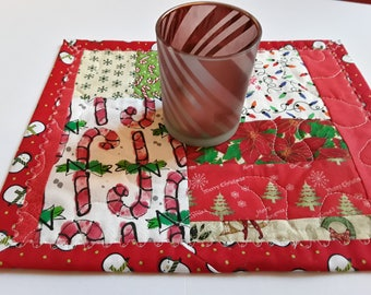 Christmas Snack Mat // Medium Size Candle Mat // Christmas Candle Holder // Table Quilt // Small Gift For Neighbor // Cubbie Mate // Boss