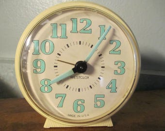 Westclox  Alarm Clock ,Vintage  Night Glow  Wind Up,  Ivory Color , 1960's Good Working Condition, USA Made, Retro