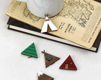 Le bois de plein air et acrylique collection aimant - y compris un arbre, montagne, aimants cabane tipi & a-frame