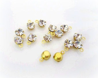 3mm Rhinestone Charms. Small Rhinestone Drops. Gold Colored Settings. 20 Pieces.