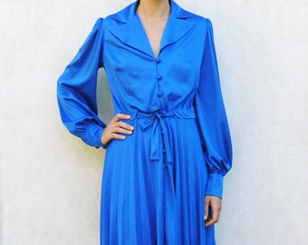 "Vintage pleated long sleeved dress, medium - royal blue . . . . . ""Like"" our fb page for 10% discount"