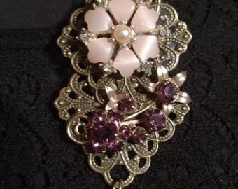 Re- purposed vintage jewelry Pin or Pendant #17623