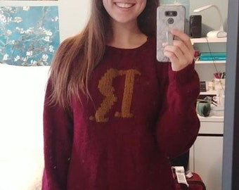 Mrs. Weasley's Sweater - Gryffindor // Harry Potter Sweater