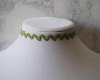 Green Waved Choker Necklace