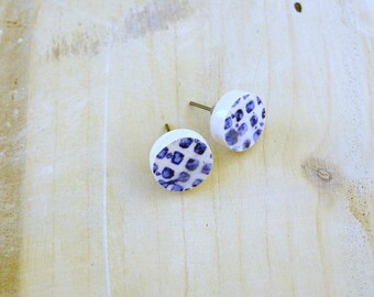 small blue and white stud earrings-ceramic round earrings with blue geometric decoration-hypoallergenic stud earrings