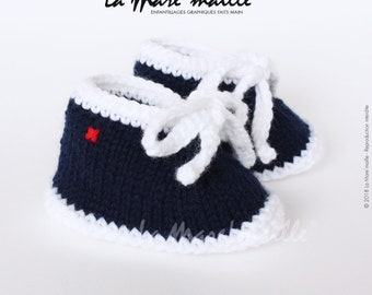 Baby boy wool blue and white spirit mesh sneaker with the Mare hand knitted lace ' stitch