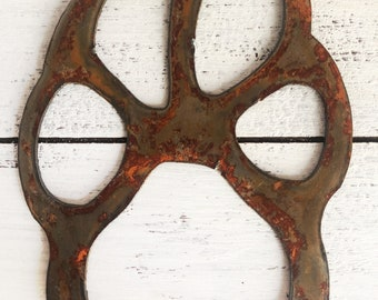 """Paw Print - 4"""" Rusty Metal PAW PRINT - Make your own Sign, Gift, Art!"""