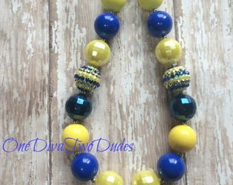 Milwaukee Brewers chunky necklace rhinestone pendant baseball