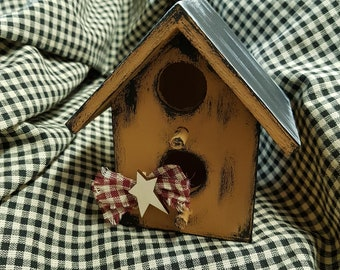 Wood*birdhouse*handpainted*country*decoration