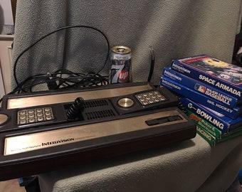 Console de jeu vidéo Intellivision et 6 jeux