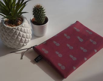 Silver pineapple printed raspberry pouch