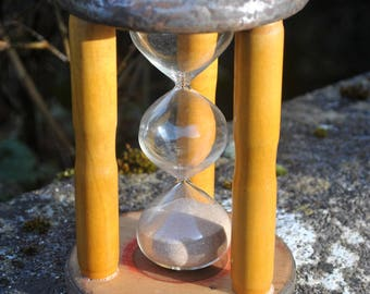 Rustic Vintage Egg Timer. 5 Minute, 3 Tier Hourglass Sand Timer in Round Wooden Pedestal Frame. Classic Country Home/ Kitchen. Unique