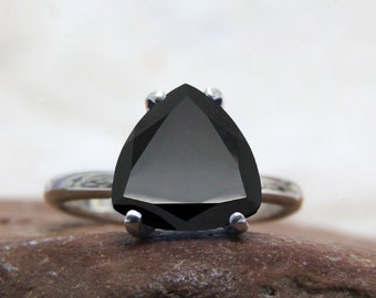 black onyx ring,trillion cut ring,silver ring,stackable rings,thin stack ring,gemstone ring,black stone ring,black diamond ring