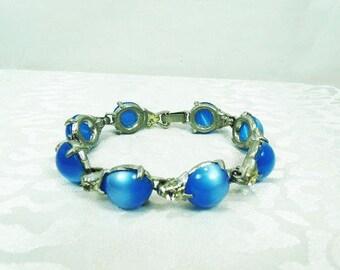 Vintage Blue Lucite Bracelet with Clear Rhinestones / Articulate Bracelets