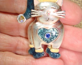Vintage KC Signed Silver Tone Smiling Happy Kitty Cat Pin with Booties and Stocking Cap.