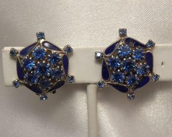 Vintage Weiss Signed Blue Rhinestone & Enamel Pinwheel Flower Earrings