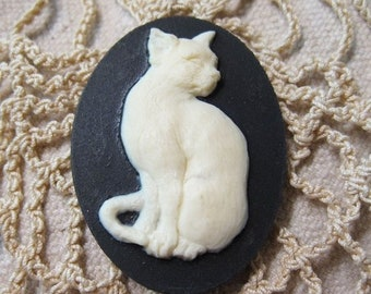 ON SALE Sitting Pretty White Kitty Acrylic Black Cameo Jewelry Cabochon Pendant 40mm x 30mm