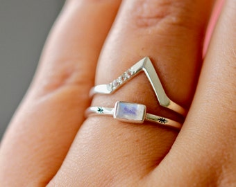 Pyramid Ring | Sterling Silver Stacking Ring with White Topaz
