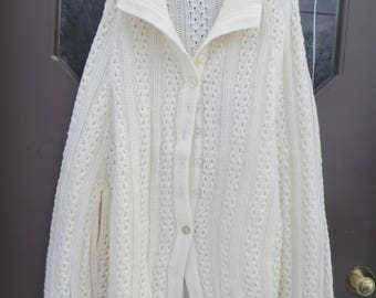 VTG off white acrylic cape  sweater   hippie  boho fringe   poncho     button down front