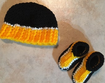 Made to Order Baby Beanie and Booties Set: baby hat, baby booties, baby team gear,