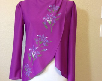 Fuchsia Blouse with Flower Accent Along the Front Ladies Size 9 Loose Fitted Flowing Blouse Previously 22 Dollars ON SALE