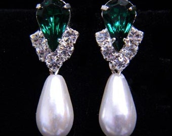 Style # 5538EMS -Rhinestone Pear V Pearl Drop Earrings-Emerald Silver