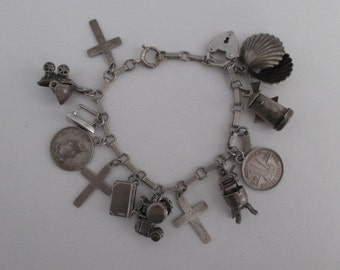 Vintage Sterling Silver Bracelet with 14 Assorted Charms