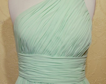 Free Ship sale 10.00 off NEW MINT GREEN short Grecian Gown size 8 Bridesmaid Dress empire waist gown