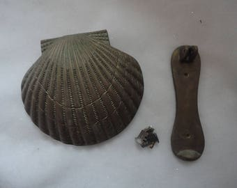 Vintage Solid Brass Penco Scallop Shell Door Knocker, Penco, Beach House Door  Knocker, Seashell Door Knocker, Brass Shell Door Knocker