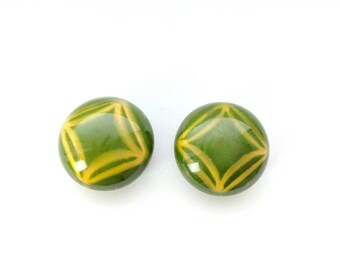 Vintage 30s/40s Green & Yellow Round Art Deco Buttons