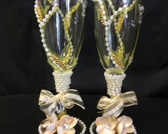 Seashell champagne glasses